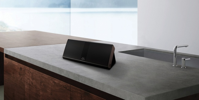 Philips Fidelio P9 Lifestyle01